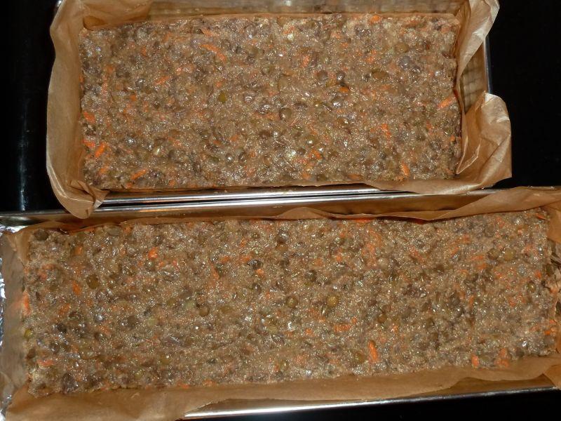 Pasztet z soczewicy z marchewką i ogórkiem kiszony