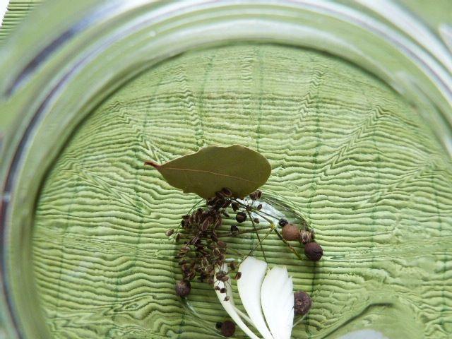 Patisony z papryką w zalewie musztardowej