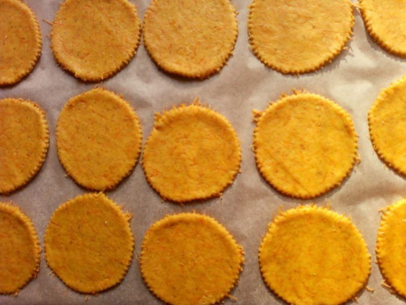 Pełnoziarniste ciasteczka z marchewką
