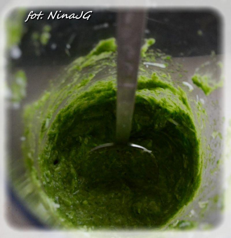 Pesto roszponkowe w  naleśnikach