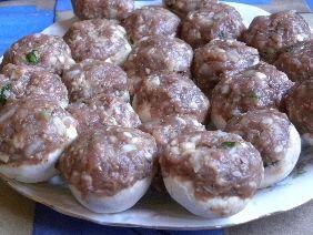 Pieczarki faszerowane mięsem