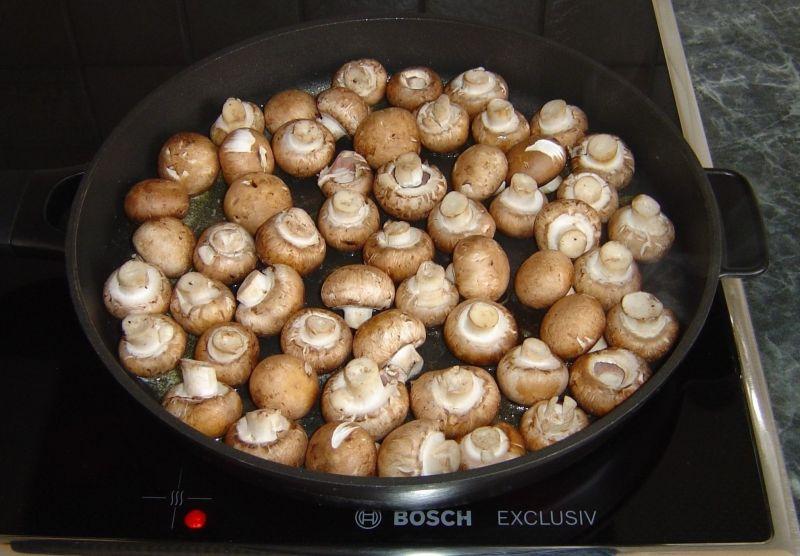 Pieczarki w miodowo czosnkowo sosie balsamicznym