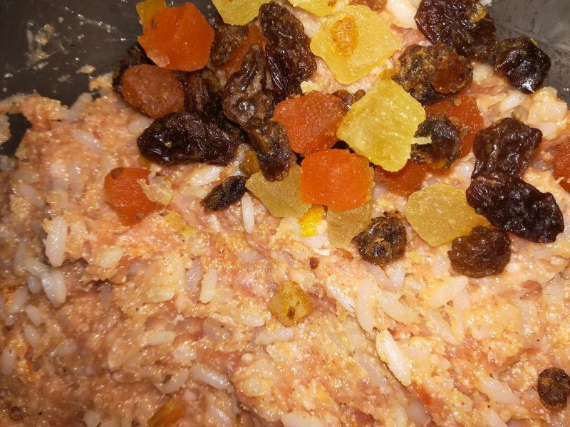 Pieczeń wieprzowa z ryżem i mieszanką keksową