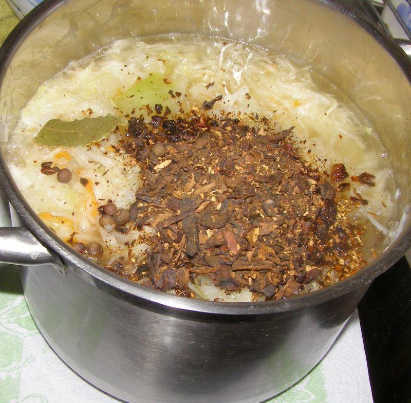 Pieczone gołąbki z kaszą i kapustą z grzybami