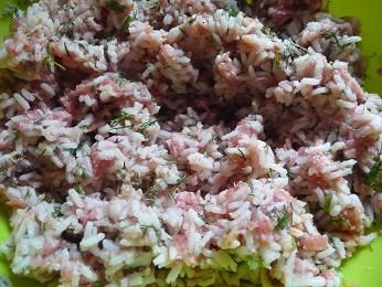 Pieczone gołąbki z sosem z pieczonych papryk