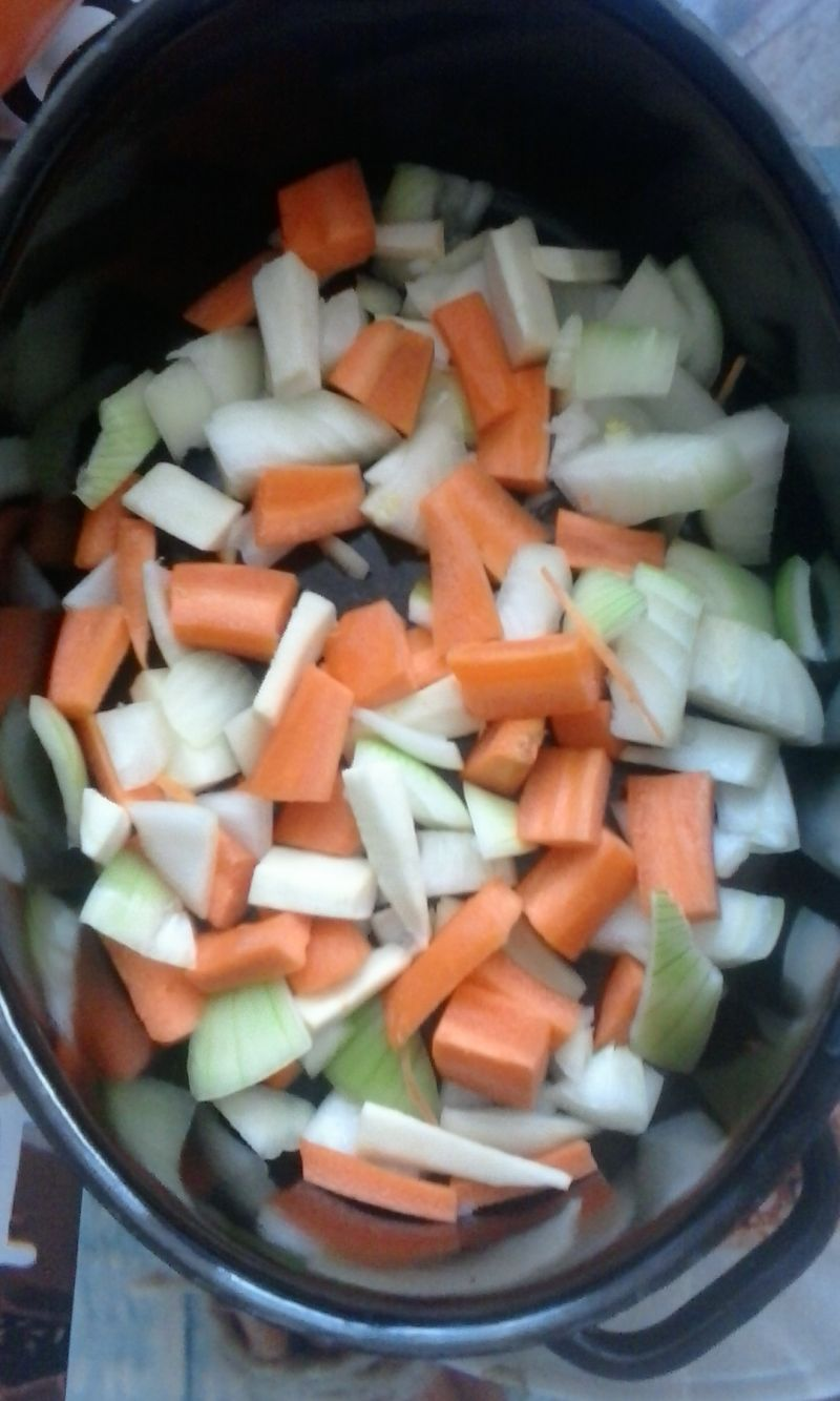 Pieczone udka kurczaka z dynią i marchewką