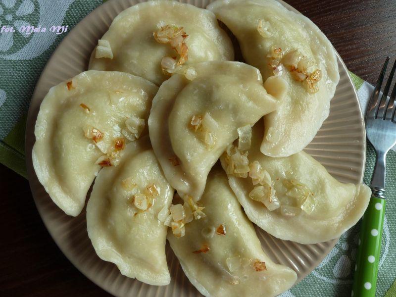 Pierogi brokułowo-ziemniaczane z ricottą