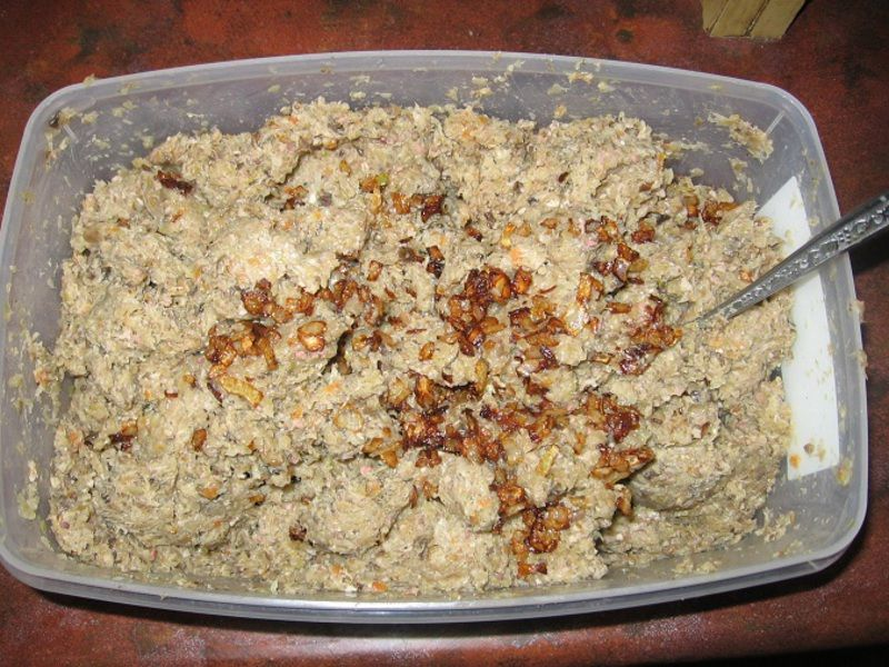 Pierogi z kapustą, mięsem i grzybami