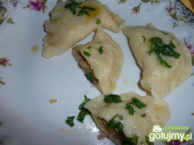 Pierożki z masa ziemniaczano-tuńczykową