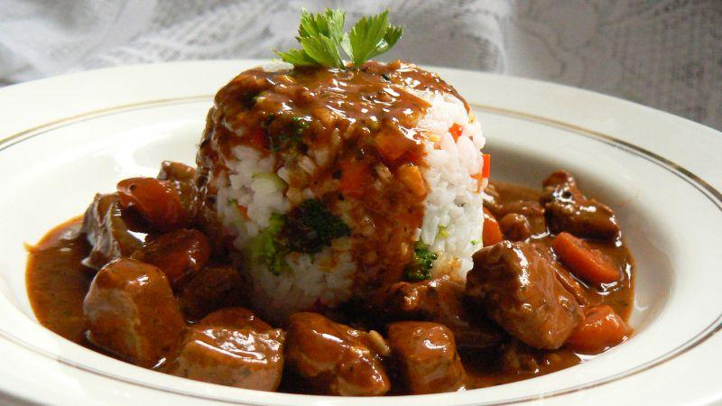Pierś kaczki z ryżem i grzybami