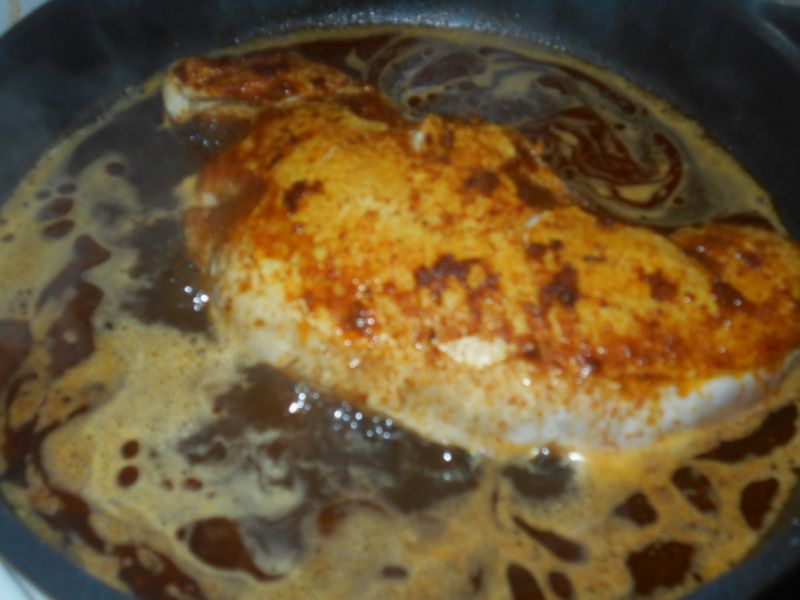 Pierś z indyka z szałwią i mozzarellą