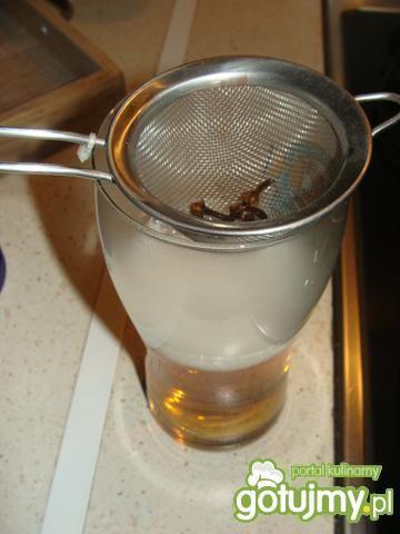 Piwo grzane z goździkami