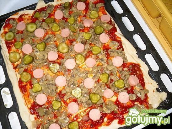 Pizza z kaparami