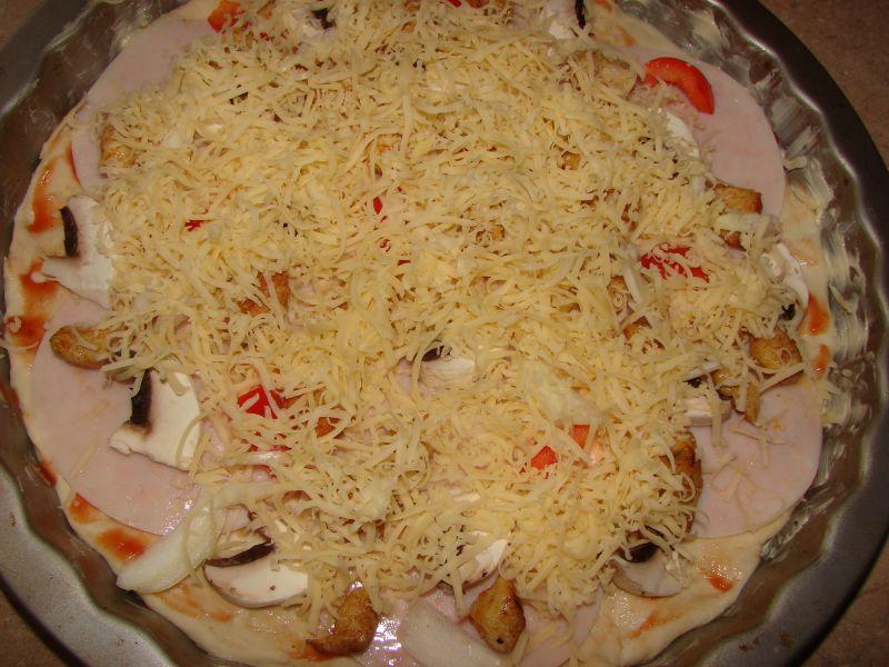 Pizza z kurczakiem i papryką
