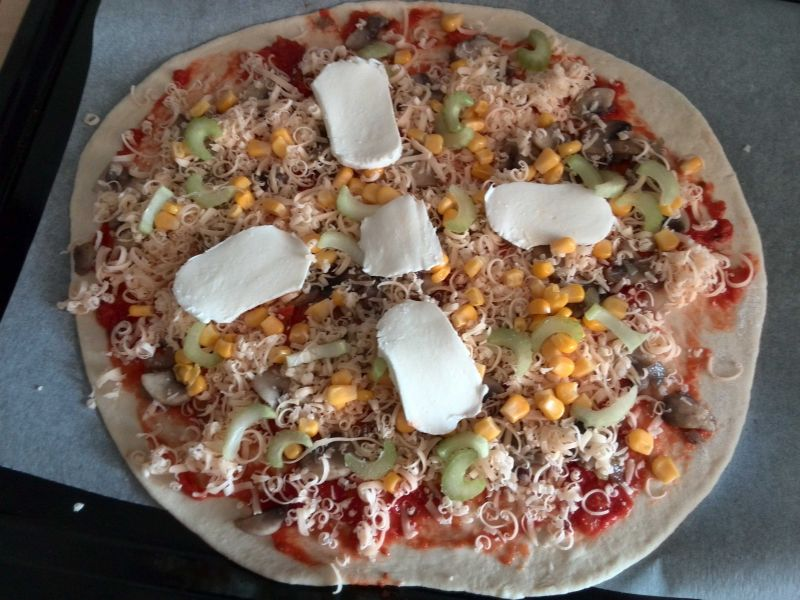 Pizza z selerem naciowym