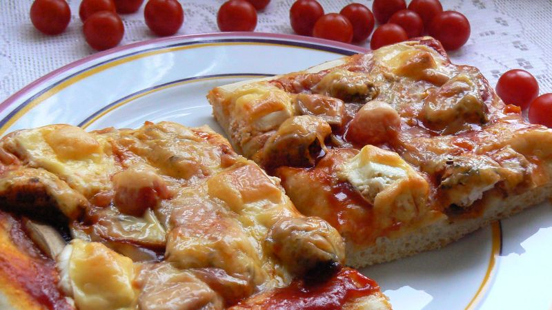 Pizza z serem feta