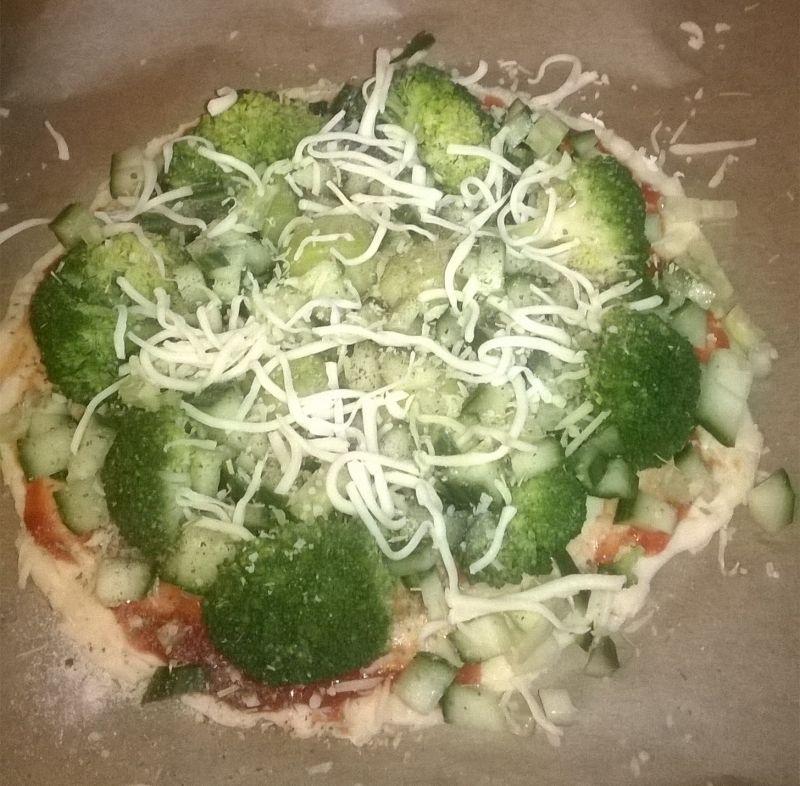 Pizza z zielonymi warzywami