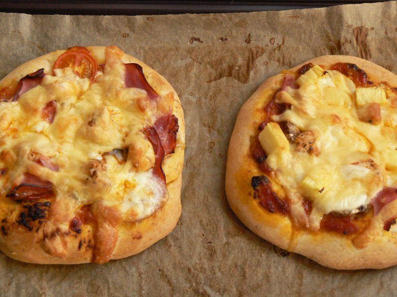 Pizzerinki z kurczakiem i ananasem