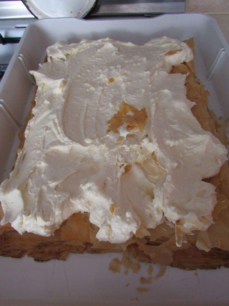 Placek na ciastach francuskich