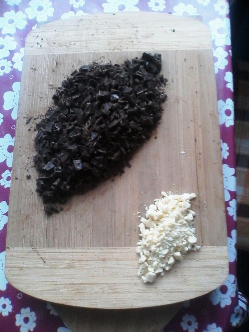 Placuszki z ricotty z sosem czekoladowym