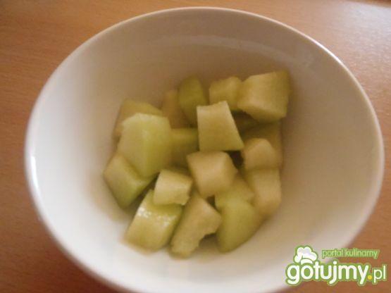 Płatki ryżowe z owocami i migdałami