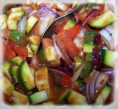Podpłomyki ze świeżą salsą pomidorową i miętą