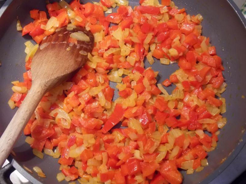 Polędwiczka w sosie paprykowym z kuskusem
