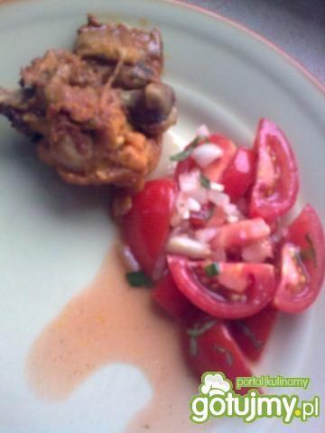 Pomidorki koktajlowe plus cebulka