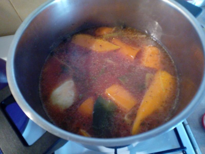 Pomidorowa na samych warzywach