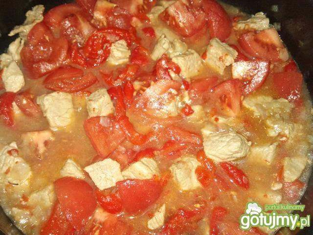 Pomidorowy gulasz z szynki