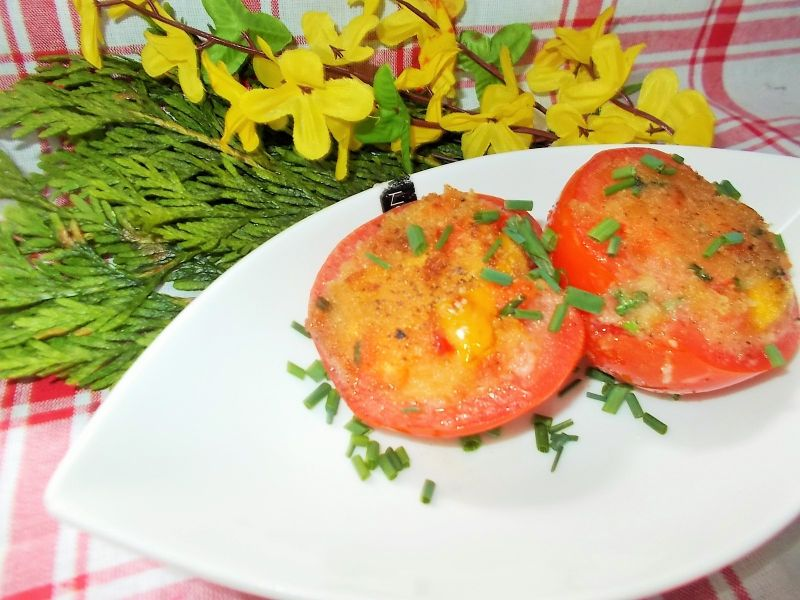 Pomidory faszerowane papryką