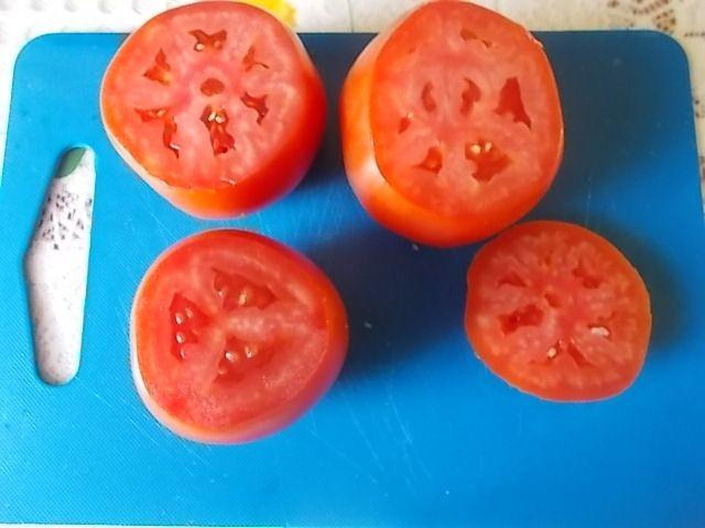 Pomidory nadziewane fetą