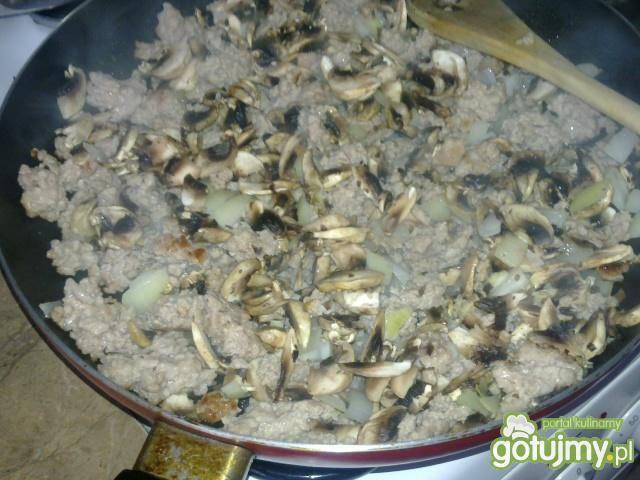 Potrawka z mięsa mielonego i pieczarek