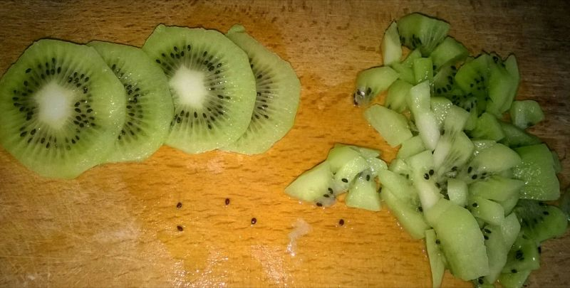 Pudding chia z kiwi i migdałami