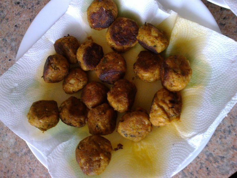 Pulpeciki kalafiorowe z serem i słonecznikiem