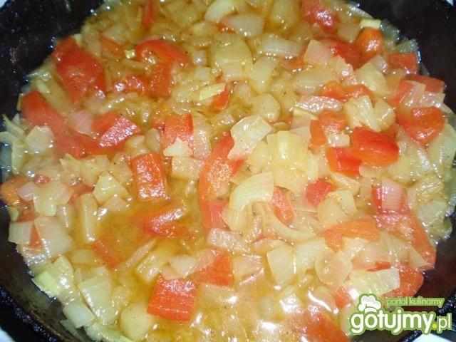 Pulpeciki w sosie paprykowo ananasowym