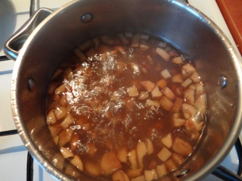Pulpeciki z mięsa indyczego w sosie grzybowym