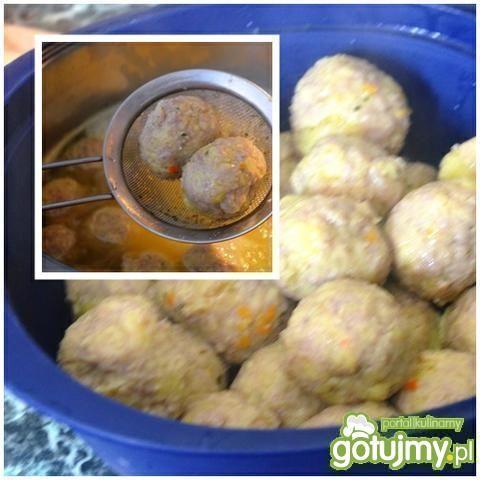 Pulpety mięsno-ziemniaczane w zupie krem