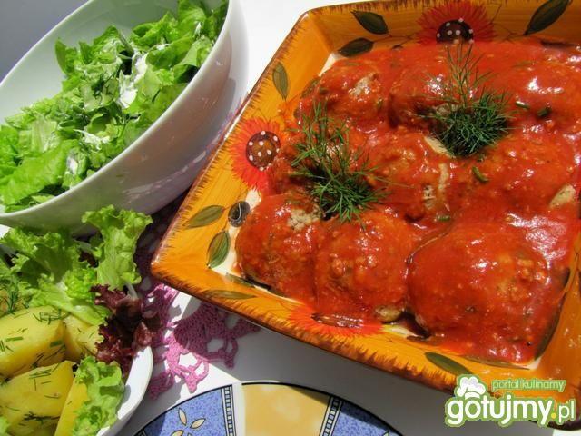 Pulpety z kaparami w sosie pomidorowym