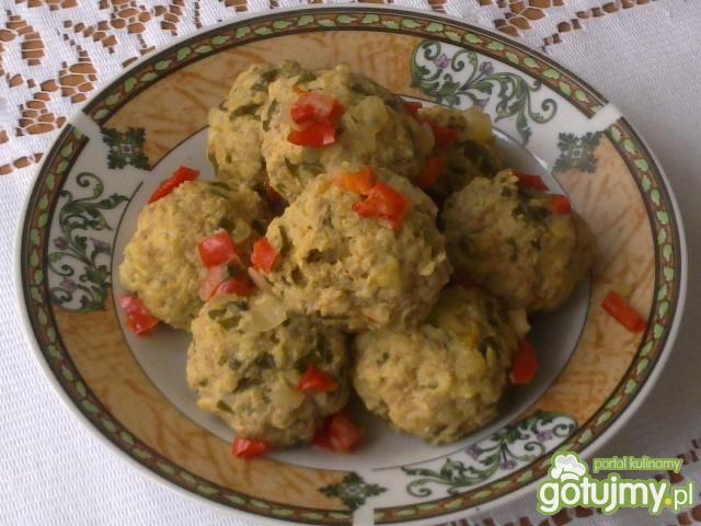 Pulpety z oregano w sosie paprykowym