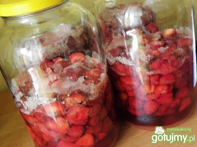 Pyszna nalewka z truskawek