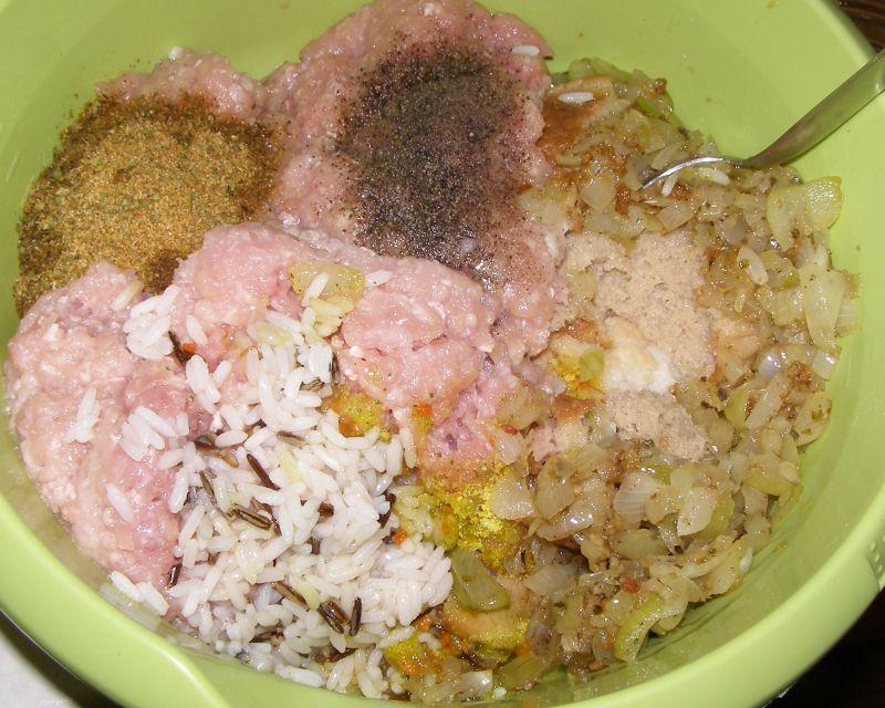 Pyszna pieczeń z ryżem z łopatki wieprzowej