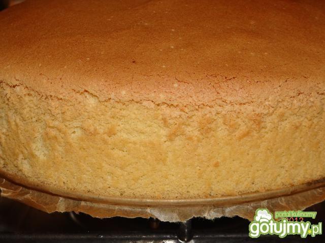 Pyszny tort czekoladowo - malinowy