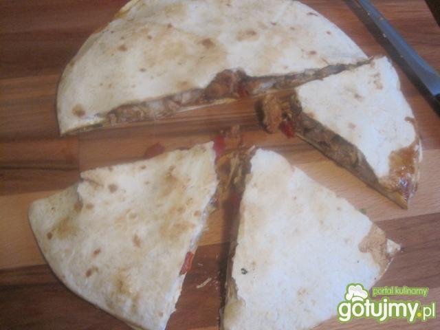 Quesadillas z indykiem marynowanym