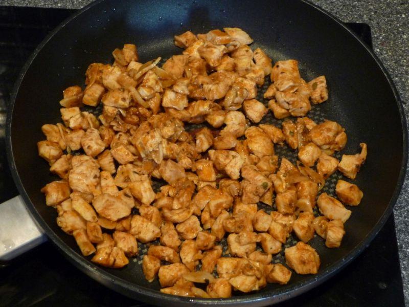 Quiche z kurczakiem i pieczarkami