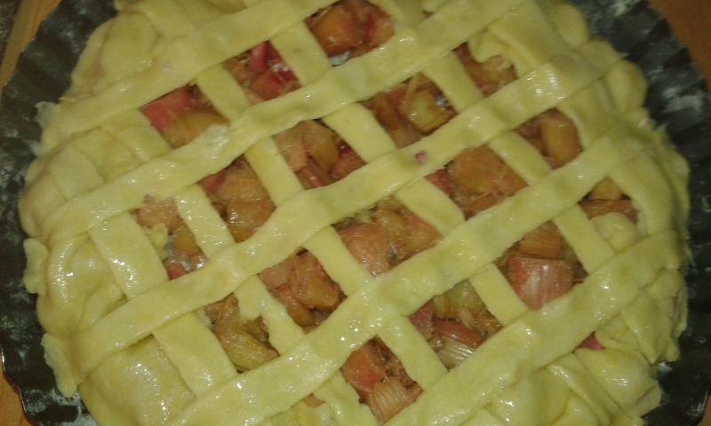 Rabarbarowe ciasto a - la tarta