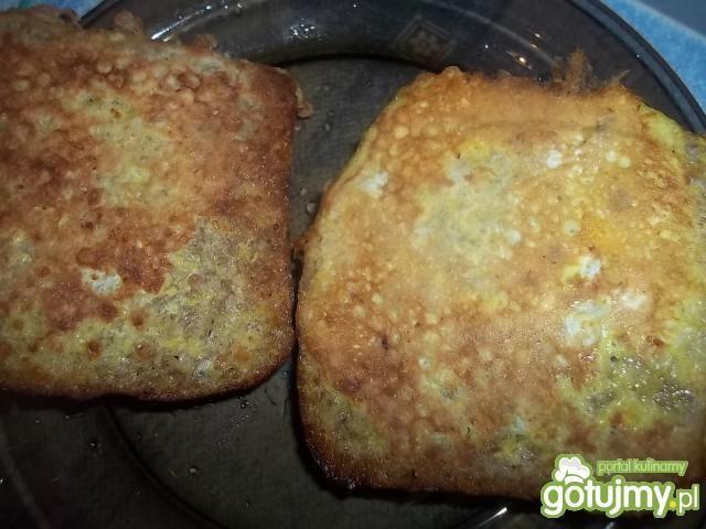 Razowe tosty z borówkami