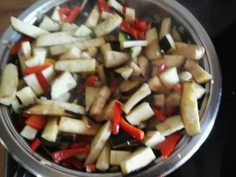 Risotto z warzywami i mięsem mielonym