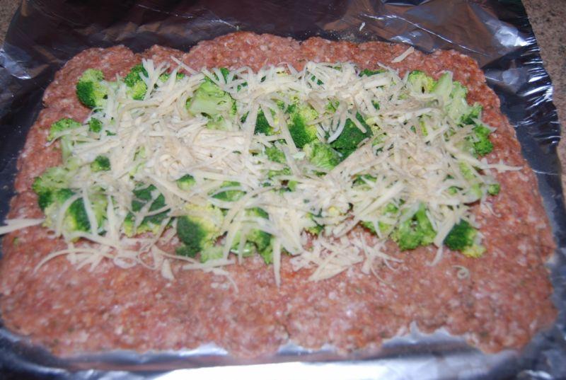 Rolada z brokułami i serem