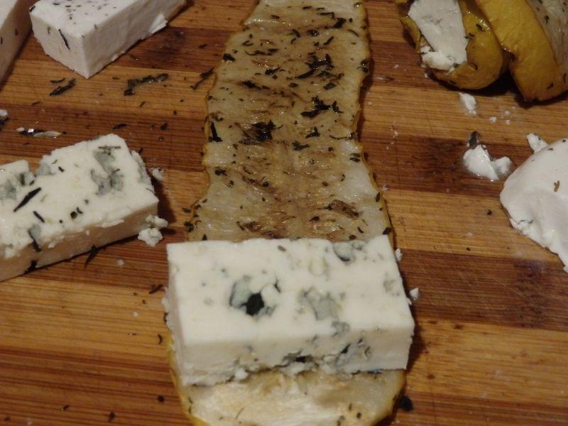 Roladki z grillowanej cukinii z serem